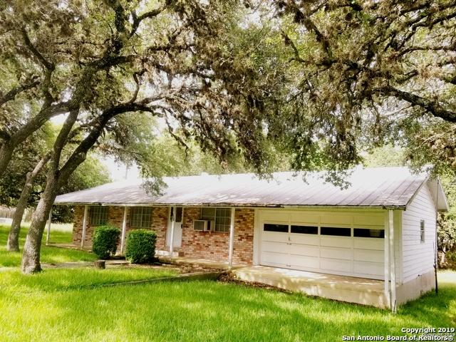 751 Valley Oaks Dr, Canyon Lake, TX 78133 (MLS #1400103) :: The Mullen Group | RE/MAX Access