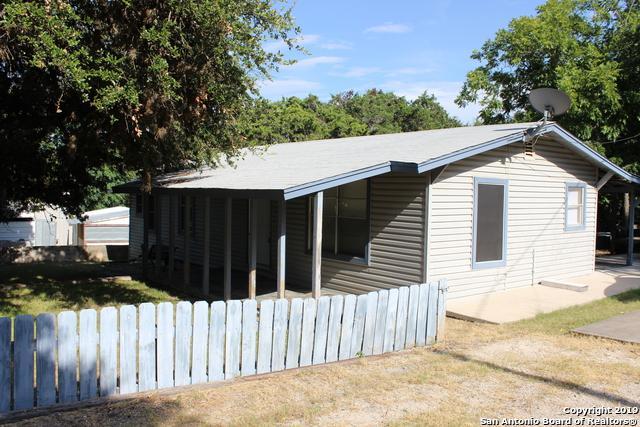 201 Park Dr, Pipe Creek, TX 78063 (MLS #1400117) :: ForSaleSanAntonioHomes.com