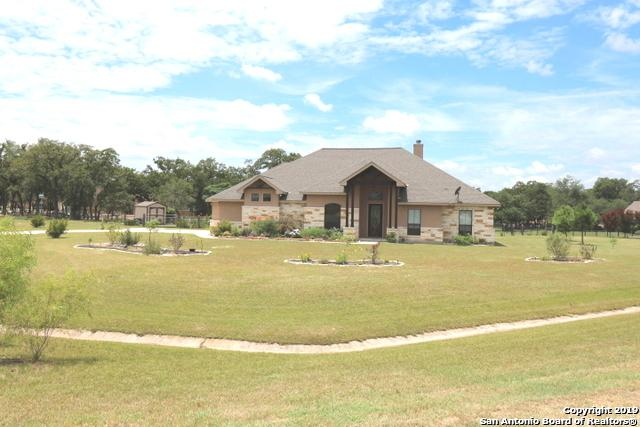 112 S Abrego Crossing, Floresville, TX 78114 (MLS #1400128) :: Alexis Weigand Real Estate Group