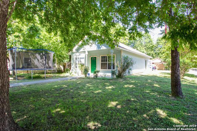403 Vera Cruz St, Seguin, TX 78155 (MLS #1400208) :: Magnolia Realty