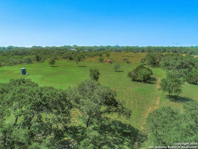 2645 River Oaks Dr, New Braunfels, TX 78132 (MLS #1400209) :: Santos and Sandberg