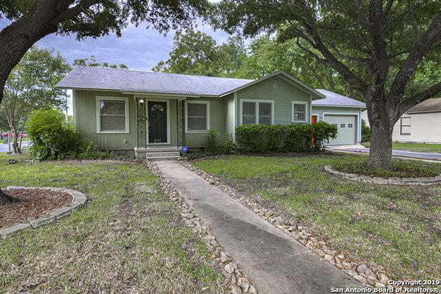 831 E Humphreys St, Seguin, TX 78155 (MLS #1400260) :: Magnolia Realty