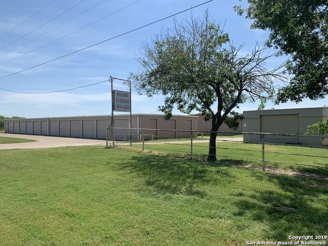 404 N 132, Devine, TX 78016 (MLS #1400274) :: Exquisite Properties, LLC