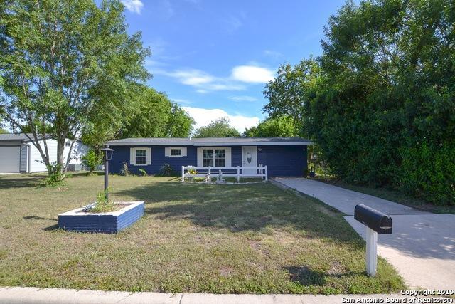 230 Weathercock Ln, Windcrest, TX 78239 (MLS #1400353) :: Magnolia Realty
