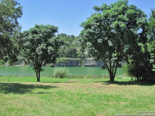 547 Lake Road, Pipe Creek, TX 78063 (MLS #1400431) :: Santos and Sandberg