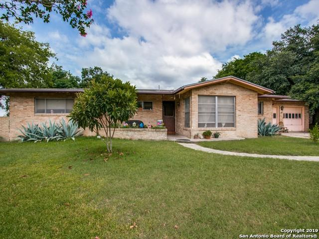 227 Herweck Dr, Castle Hills, TX 78213 (MLS #1400435) :: The Castillo Group
