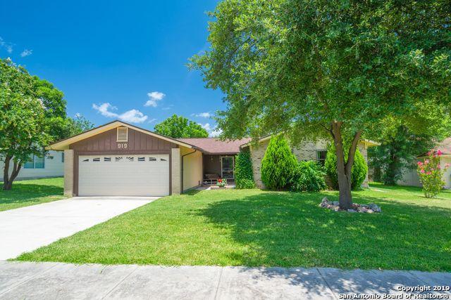 919 Morey Peak Dr, San Antonio, TX 78213 (#1400545) :: The Perry Henderson Group at Berkshire Hathaway Texas Realty