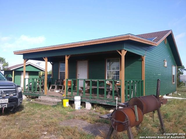 1052 Steep Rd, Del Rio, TX 78840 (MLS #1400866) :: The Gradiz Group