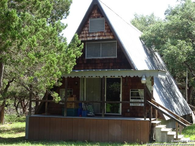 143 Cedar St, Pipe Creek, TX 78063 (MLS #1400888) :: Alexis Weigand Real Estate Group