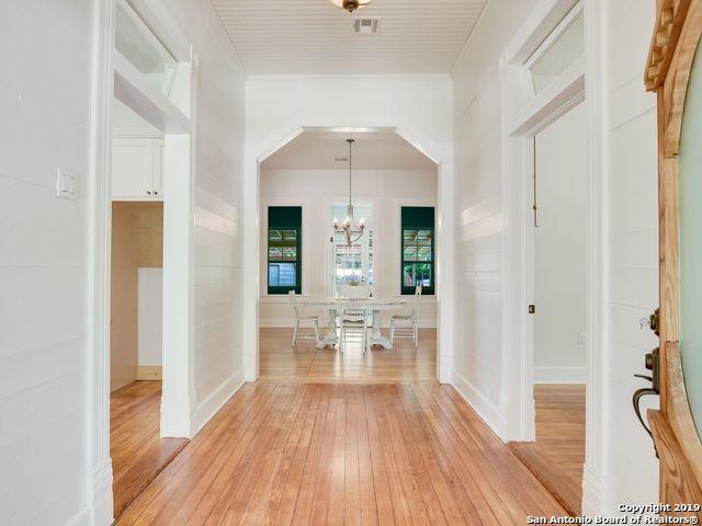 462 E North St, New Braunfels, TX 78130 (MLS #1400940) :: Berkshire Hathaway HomeServices Don Johnson, REALTORS®