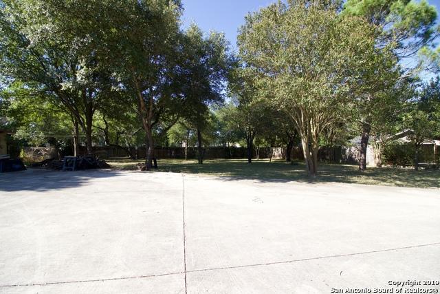 318 Chesterfield Dr, San Antonio, TX 78223 (MLS #1401357) :: Vivid Realty