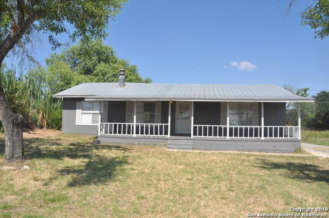 111 Live Oak Dr, Devine, TX 78016 (MLS #1401407) :: Exquisite Properties, LLC