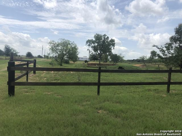 2827 County Road 120, Floresville, TX 78114 (MLS #1401469) :: Santos and Sandberg