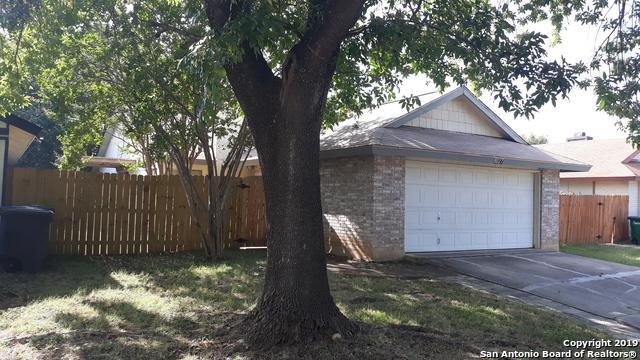 8027 Laurel Bend, San Antonio, TX 78250 (MLS #1401566) :: BHGRE HomeCity