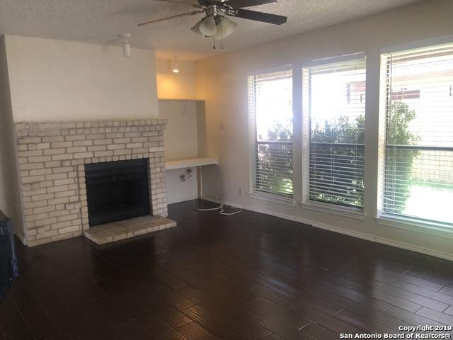 2718 Old Field Dr #203, San Antonio, TX 78247 (#1401719) :: The Perry Henderson Group at Berkshire Hathaway Texas Realty