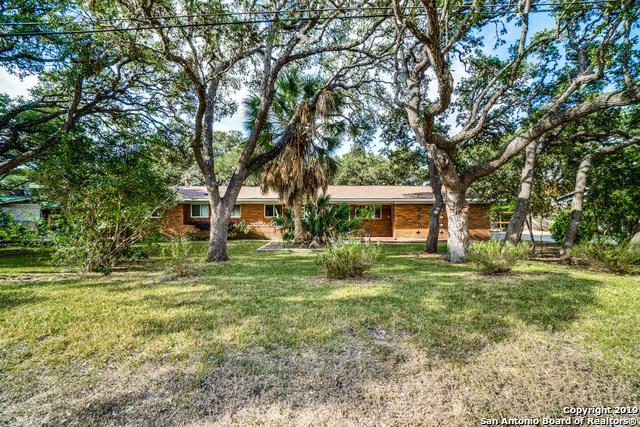 328 Fleetwood Dr, Hollywood Pa, TX 78232 (MLS #1401755) :: Exquisite Properties, LLC