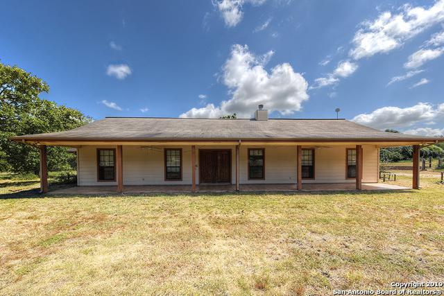 419 Meadow View Dr, Adkins, TX 78101 (MLS #1401861) :: Brandi Cook Real Estate Group, LLC