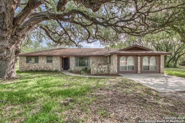 8178 Us Highway 181 N, Floresville, TX 78114 (MLS #1401913) :: BHGRE HomeCity