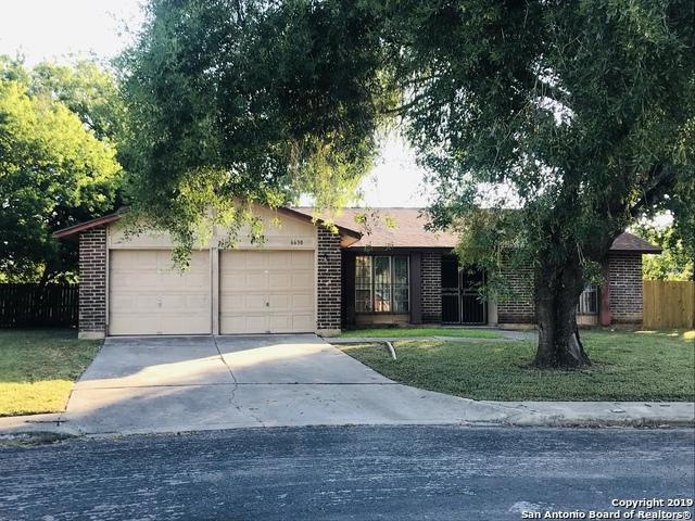 6630 Robin Forest, San Antonio, TX 78239 (MLS #1402067) :: BHGRE HomeCity