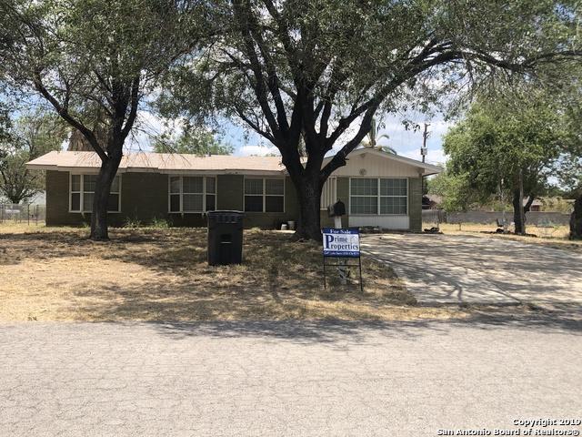 606 S 8th St, Carrizo Springs, TX 78834 (MLS #1402469) :: BHGRE HomeCity