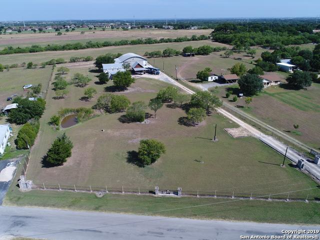 280 Lakecreek Dr, New Braunfels, TX 78130 (#1402828) :: The Perry Henderson Group at Berkshire Hathaway Texas Realty