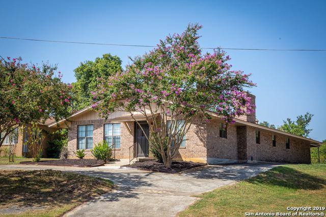 1903 3RD ST, Floresville, TX 78114 (MLS #1402918) :: BHGRE HomeCity