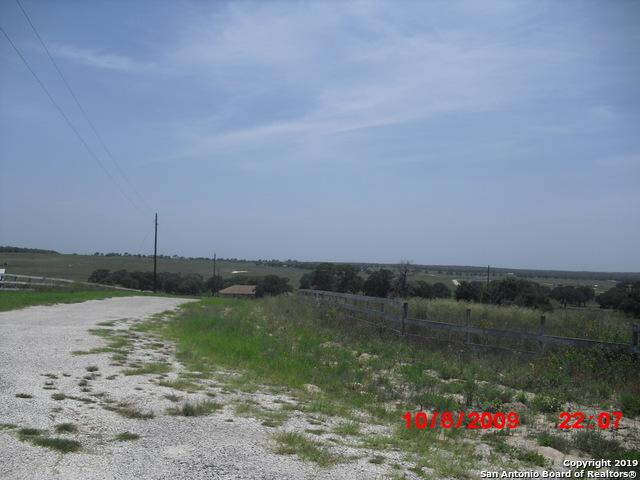 764 Lake Valley Dr, La Vernia, TX 78121 (MLS #1403009) :: Alexis Weigand Real Estate Group