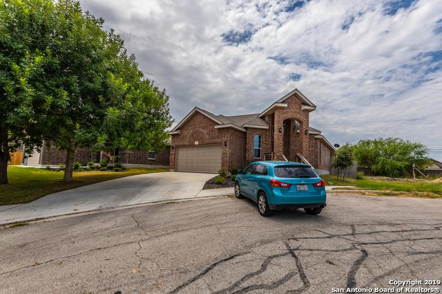 1426 Crane Ct, San Antonio, TX 78245 (MLS #1403307) :: Laura Yznaga | Hometeam of America