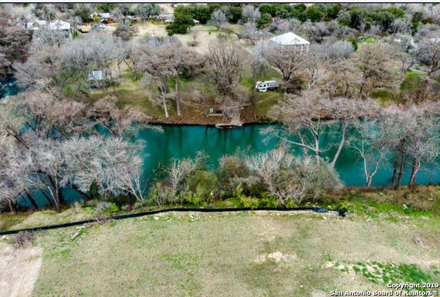 1350 River Place Dr, New Braunfels, TX 78130 (#1403511) :: The Perry Henderson Group at Berkshire Hathaway Texas Realty