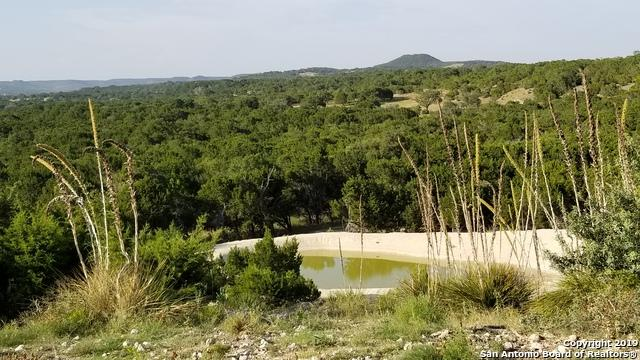 444 Mountain View Trail, Bandera, TX 78003 (#1403668) :: The Perry Henderson Group at Berkshire Hathaway Texas Realty