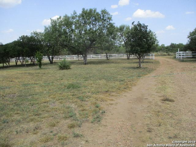 313 Pr 6430, Hondo, TX 78861 (MLS #1403697) :: Alexis Weigand Real Estate Group