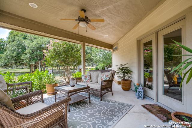 236 Ivy Ln, Boerne, TX 78006 (MLS #1403805) :: Alexis Weigand Real Estate Group