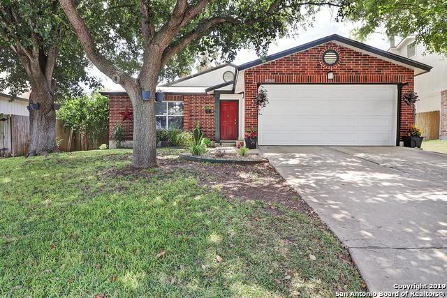 8068 Chestnut Barr Dr, Converse, TX 78109 (MLS #1404200) :: BHGRE HomeCity