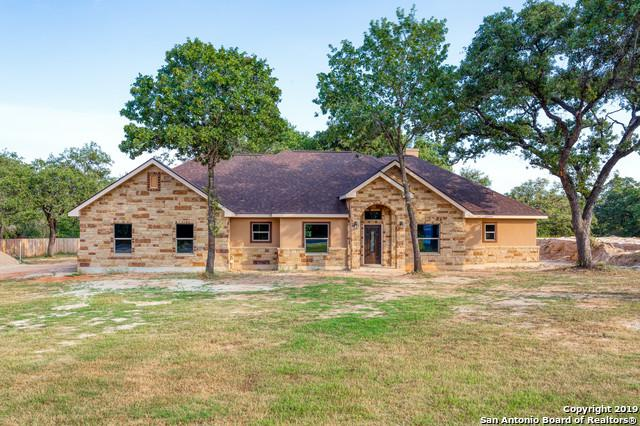 139 Cibolo Ridge Dr, La Vernia, TX 78121 (MLS #1404217) :: Brandi Cook Real Estate Group, LLC