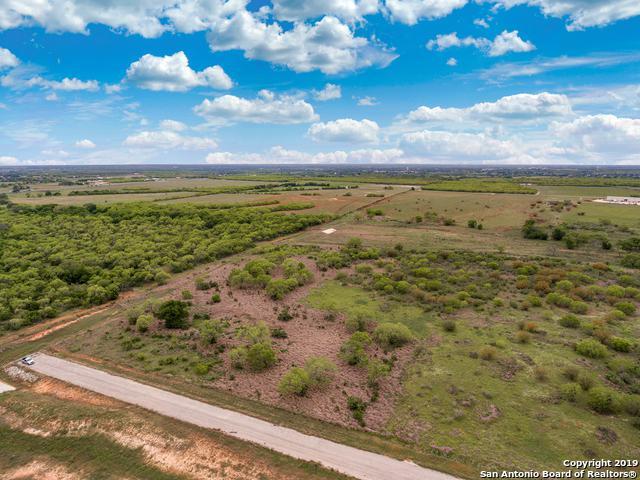112 Rancho Grande, Floresville, TX 78114 (MLS #1404231) :: Exquisite Properties, LLC