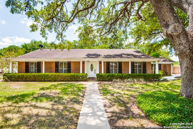 1017 Oakridge Dr, Pleasanton, TX 78064 (MLS #1404305) :: BHGRE HomeCity