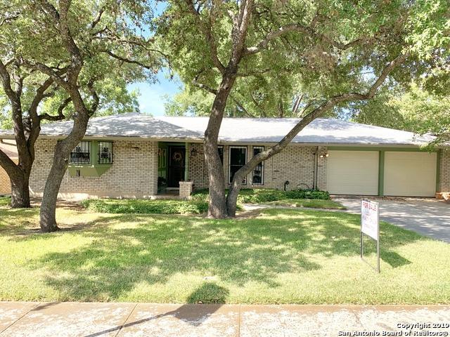10423 Northampton Dr, San Antonio, TX 78230 (MLS #1404380) :: Exquisite Properties, LLC