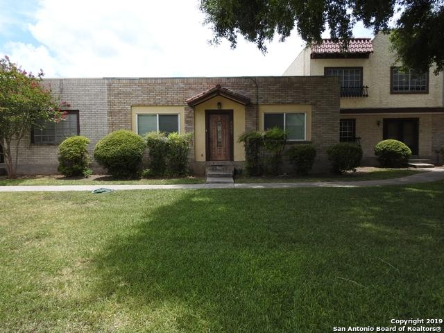 6827 Crown Ridge, San Antonio, TX 78239 (#1404486) :: The Perry Henderson Group at Berkshire Hathaway Texas Realty