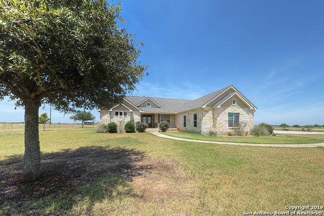 11605 La Vernia Rd, Adkins, TX 78101 (MLS #1404875) :: Brandi Cook Real Estate Group, LLC