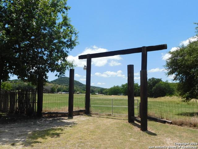 16945 State Highway 16 N, Medina, TX 78055 (MLS #1404919) :: Santos and Sandberg
