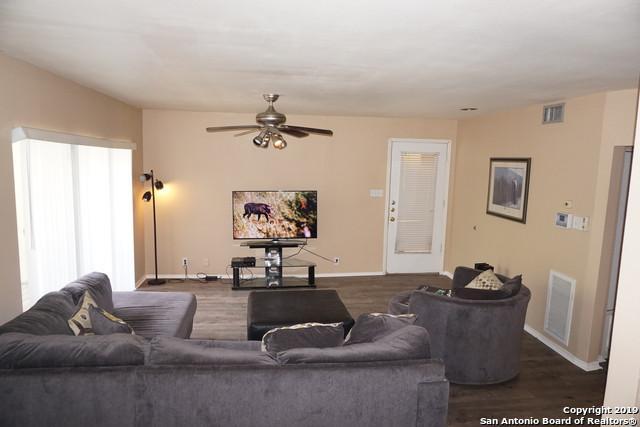 8642 Fredericksburg Rd #307, San Antonio, TX 78240 (MLS #1404958) :: Vivid Realty