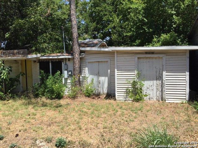 406 Michna St, Seguin, TX 78155 (MLS #1405124) :: Tom White Group