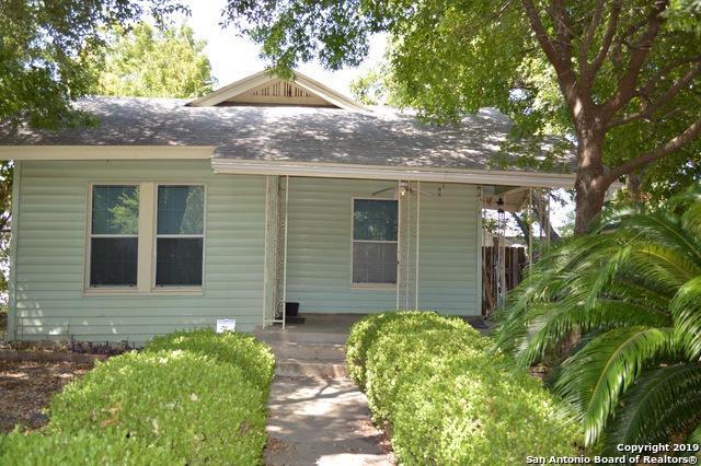1823 W Wildwood Dr, San Antonio, TX 78201 (MLS #1405173) :: Tom White Group