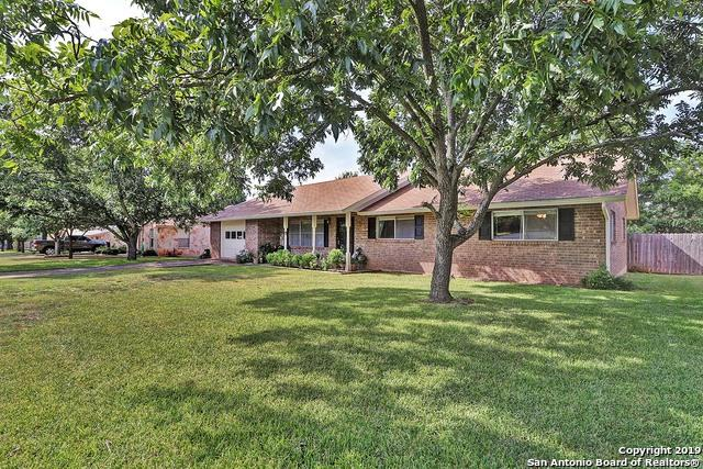 409 W Nimitz St, Fredericksburg, TX 78624 (MLS #1405178) :: Glover Homes & Land Group
