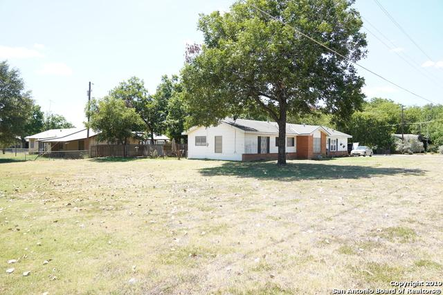 809 W Hondo Ave, Devine, TX 78016 (MLS #1405190) :: Exquisite Properties, LLC