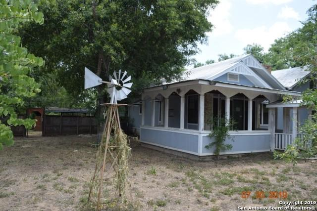 343 Village Dr, Somerset, TX 78069 (MLS #1405378) :: BHGRE HomeCity