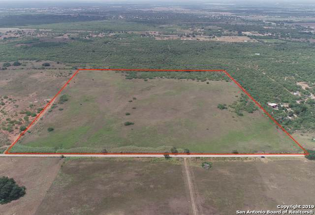1192 County Road 122, Floresville, TX 78114 (MLS #1408258) :: BHGRE HomeCity