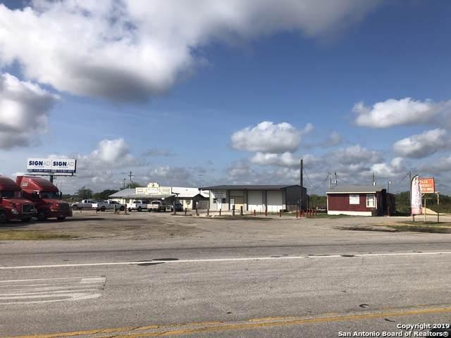 19499 State Highway 80, Gillett, TX 78116 (MLS #1408385) :: BHGRE HomeCity