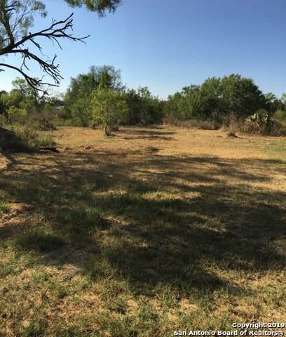 114 4th St E, Natalia, TX 78059 (MLS #1408415) :: BHGRE HomeCity