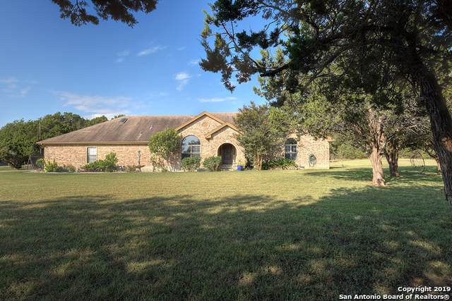 370 Forest Trail, New Braunfels, TX 78132 (MLS #1408470) :: BHGRE HomeCity